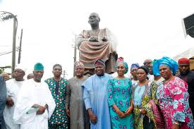 Ambode and others at statue commissioning