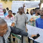 #RevolutionNow: Pro-Govt Protesters Storm Court, Insist On Sowore's Trial – Complete News